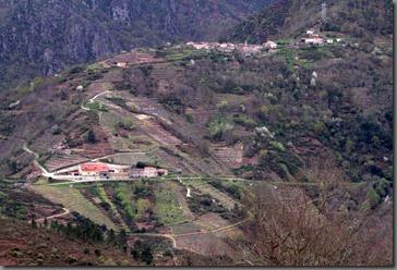 Una Viticultura_Arquitectónica y Monumental_Ribeira_Sacra_Abril_2010